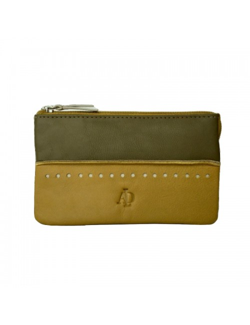 Woman's purse with RFID protection